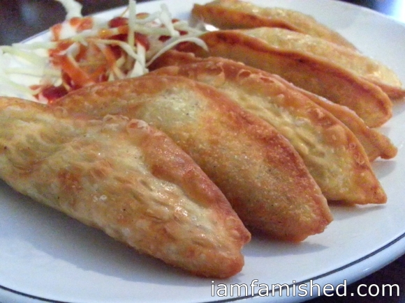 Kun Man Du (pan fried dumpling with minced pork & vegetables)