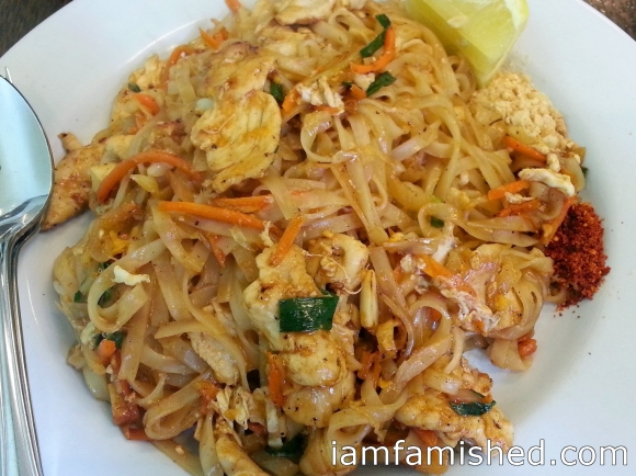 Chicken Pad Thai (stir fried rice noodle with bean sprout, chinese cabbage, cabbage, egg, crushed peanut, lemon and chilli powder)