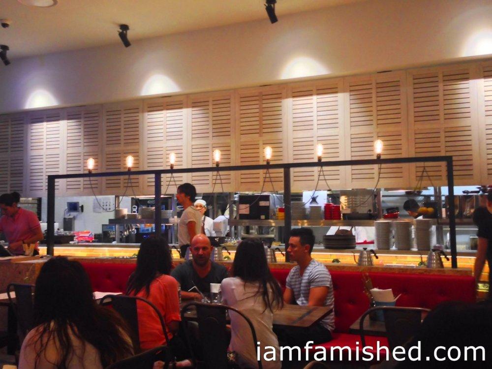 Miam Miam Restaurant (1/4)